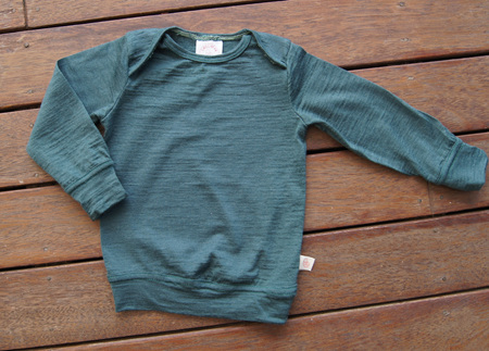 'Taylor' top with cuff sleeves and hem band, 100% Merino 'Petral', 1 year