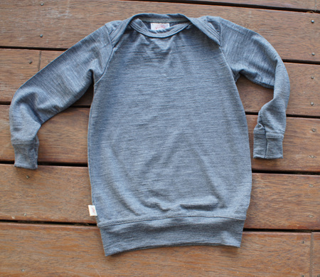 'Taylor' winter top with sleeve cuffs and waist band, 100% Merino 'Slate', 3-6m