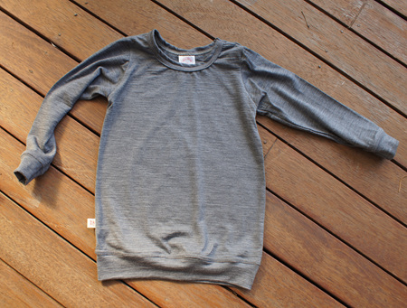 'Taylor' winter top with sleeve cuffs and waist band, 100% Merino 'Slate', 3 years