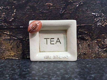 TEABAG HOLDER RUGBY BALL 6CM