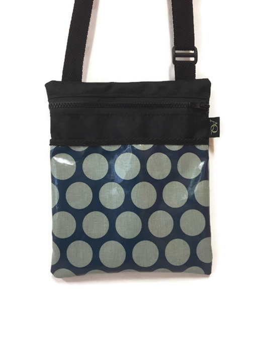 Teal dot handbag