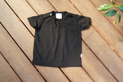 Tee with shoulder snaps, 100% NZ Merino, Black, 6-9 months