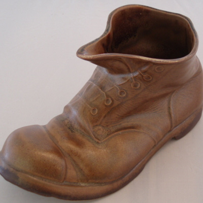 Pale brown boot ornament