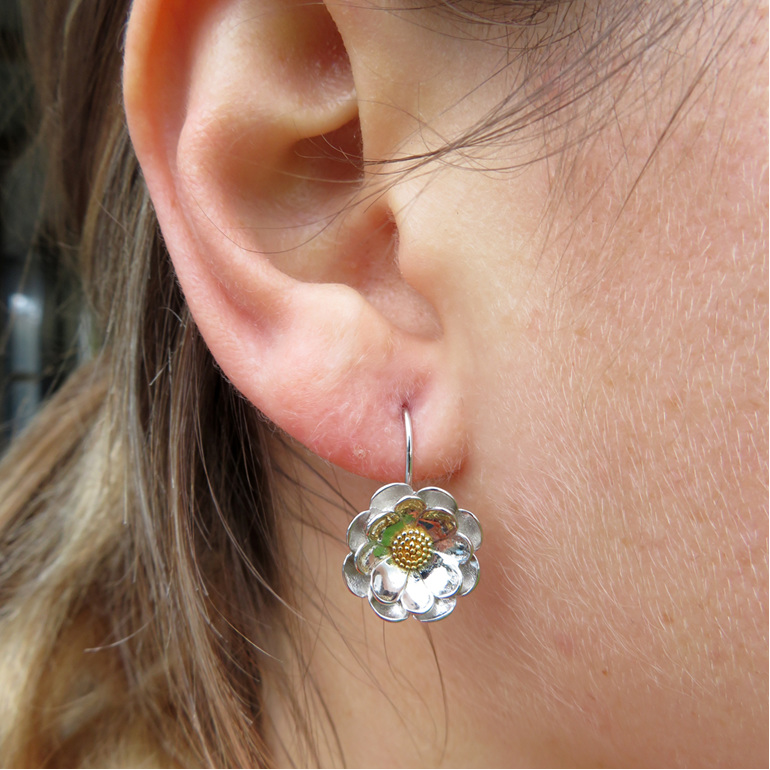 These sterling silver NZ Mt Cook Lily earrings look amazing on!