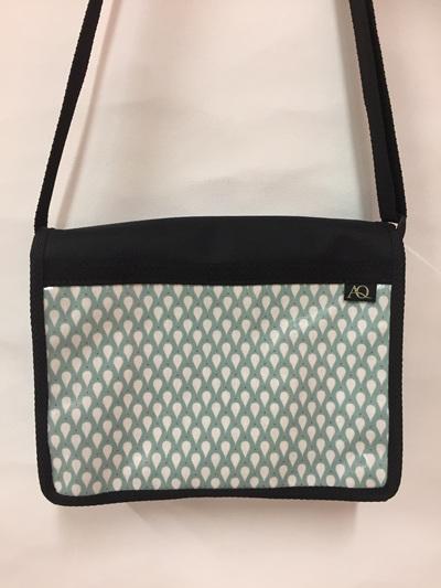 Kiwa satchel - raindrop