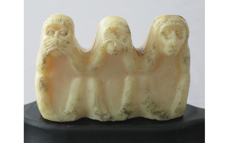 Three wise monkeys ashtray