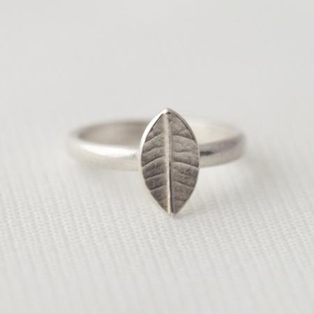 Tiny Leaf Ring
