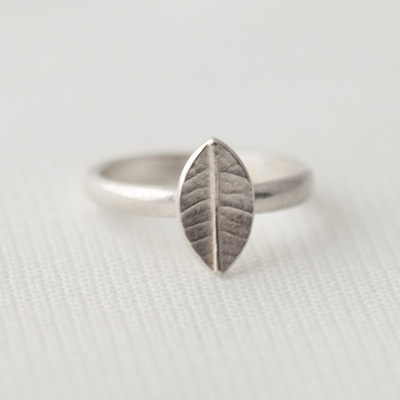 Tiny Leaf Ring