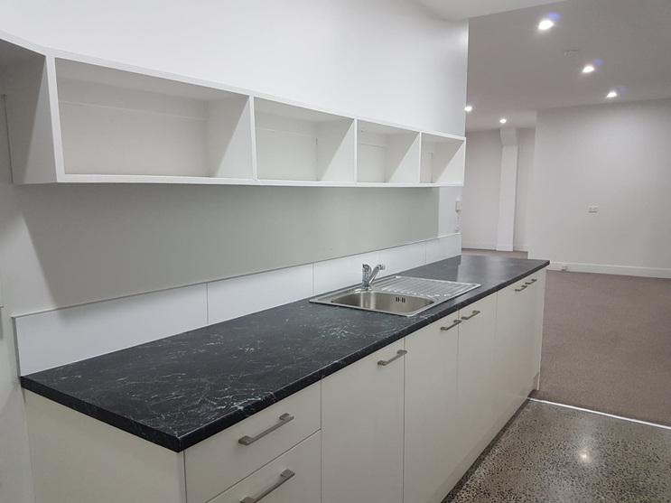 to let, napier city centre, 3 bedroom apartment,,art deco, spacious, cafe