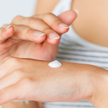Topical Preparations / Creams / Ointments / Lotions