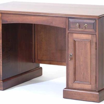 Country Lodge Kneehole Desk