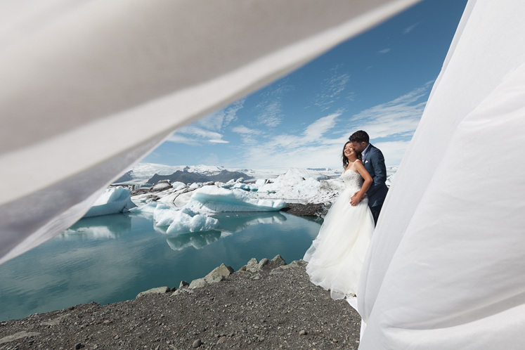 travel inspired engagement and wedding rings