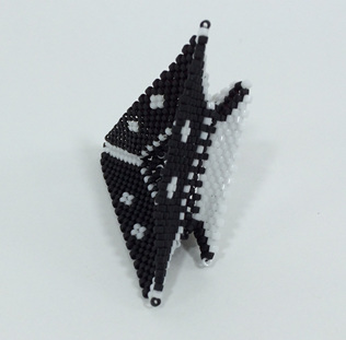 Tri-Wing Ring - Black & White