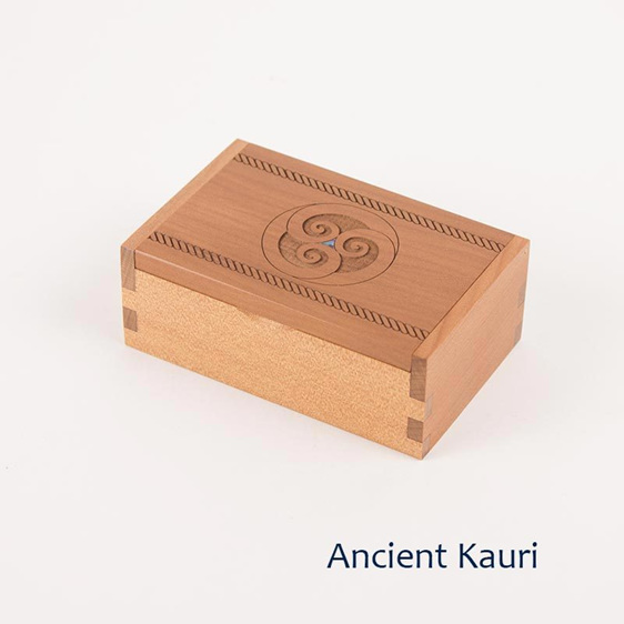 trinket box with kiwi