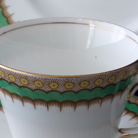 Trio with dramatic green yellow pattern