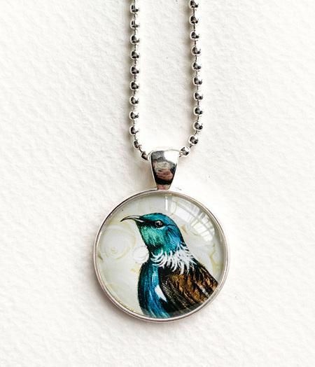 Tui pendant necklace - silver - NEW!