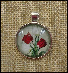 Tulip Glass Dome Key Ring