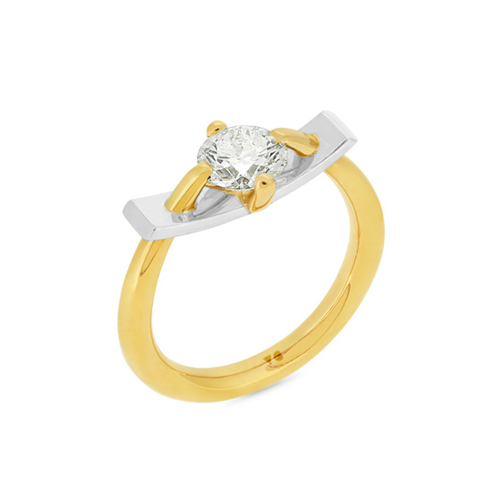 Two Tone Brilliant Cut Diamond Bar Ring