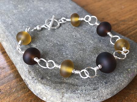 Upcycled antique bottle glass bracelet - Beer/Amber (medium)