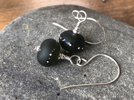 Upcycled antique bottle glass earrings - pure silver trails - Wine