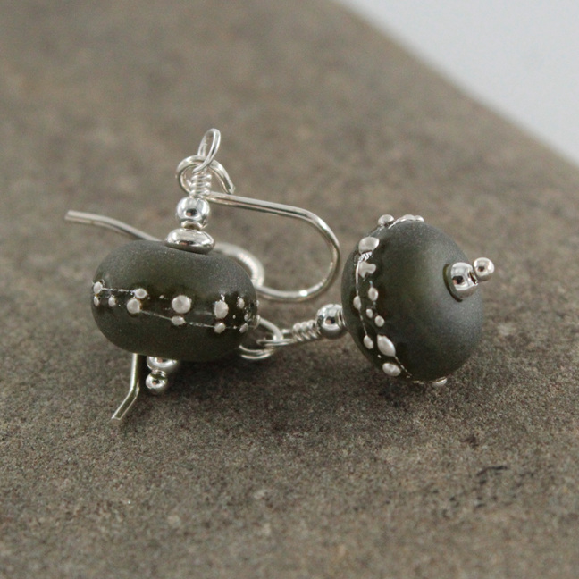 Upcycled earrings - Silver trailed - Wine