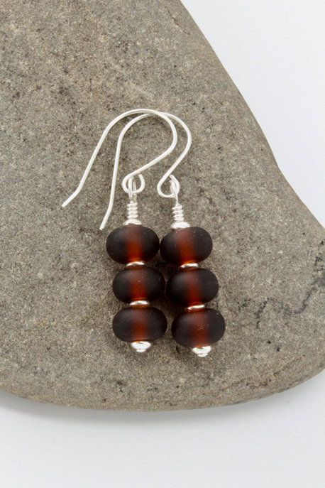 "Upcycled ""sea glass"" earrings - Triple beer"