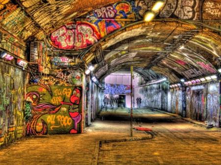 Urban Art Banksy Tunnel London England - 1000 Piece Jigsaw Puzzle