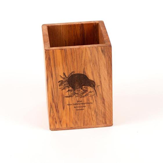 Utensil Pot with Engraved Bird