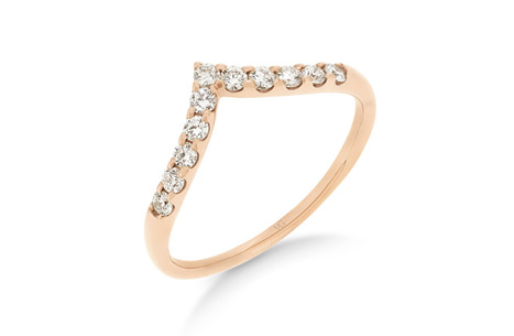 'V' Shaped Claw Set Diamond Ring
