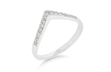 'V' Shaped Diamond Band