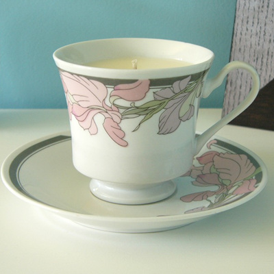 Vanilla scented teacup candle