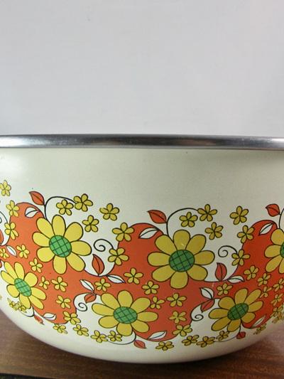Vintage Enamel Orange and Yellow Daisy Pattern Bowl