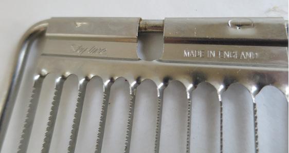 Vintage tomato slicer
