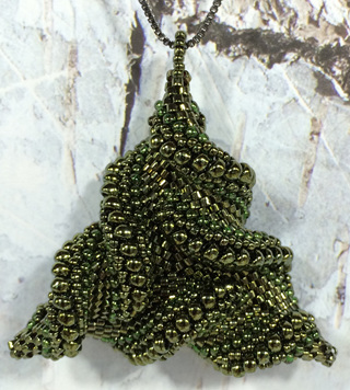 Warped Triangle - Green