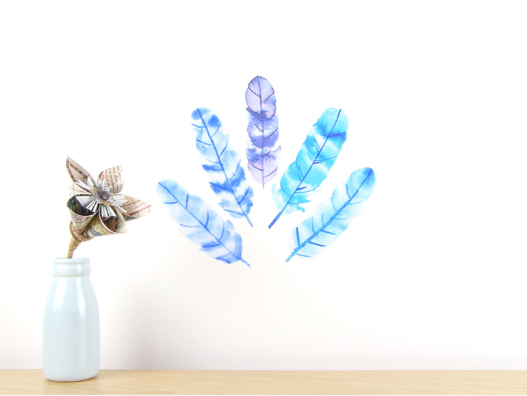 Watercolour feathers blue - small