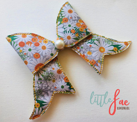 White Daisy Cheer Bow Hairclip