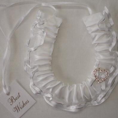 White Horseshoe with a Diamante heart