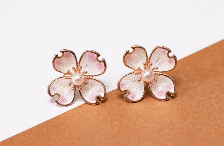 White-pink Dog Flower petal earrings with Akoya Pearl in centre - rose gold