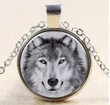 Wolf Portrait Necklace - Silver chain