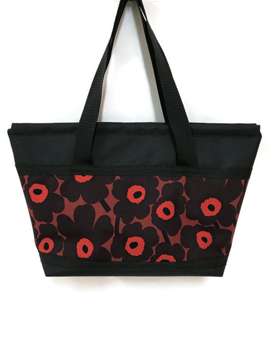 Womens tote in Marimekko flowers and fab for travel