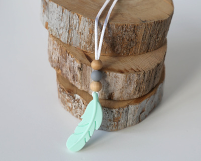 Feather Necklace Short