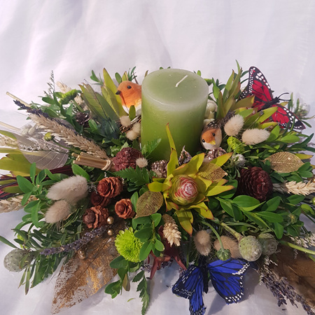 Woodlands Table Arrangement