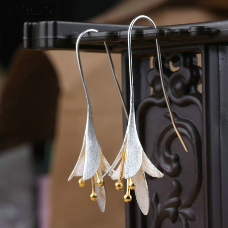 X01 Lily Drop Earrings