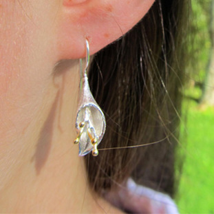 X04 Calla Lily  Drop Earrings