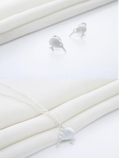 X41 Kiwi Earrings and pendant