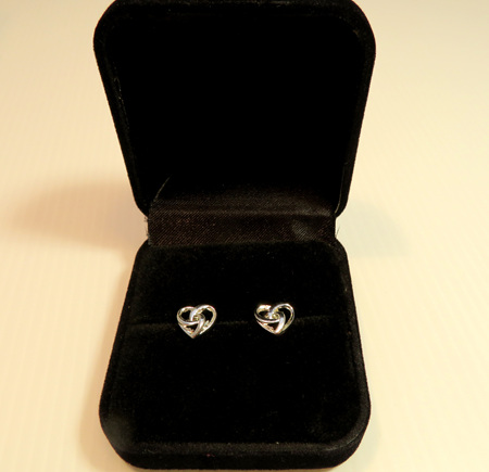 X46 Eternity Heart stud earrings