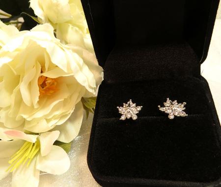 X47 Snowflake stud earrings
