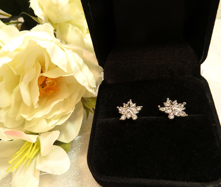 X47 Snowflake stud earrings