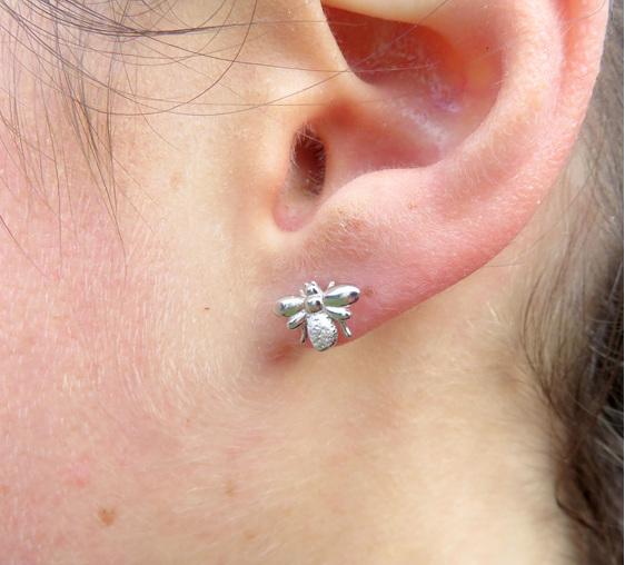 XP25 Sterling silver bee earrings