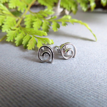 XP34 Small sterling silver Koru studs